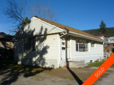 Williams Lake House/Single Family for sale:  6 bedroom 2,200 sq.ft. (Listed 2010-01-01)